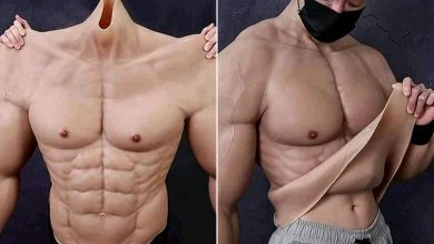 Super realistic muscle suit makes wearer look super swoll