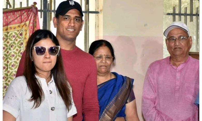 MS Dhoni's Mother and Father Test Positive for Covid-19, Admitted to Private Hospital in Ranchi