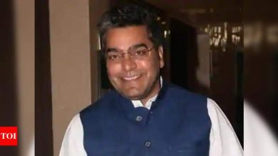 Ashutosh Rana, who had taken first dose of vaccine, contracts Covid-19 - Times of India