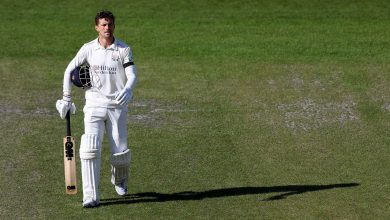 Dane Vilas bends the contest to his will as Sussex are made to wilt