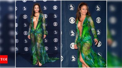 Did you know Jennifer Lopez's iconic Versace dress at the 42nd Grammy Awards led to the creation of Google Images  ? - Times of India