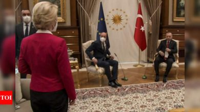 EU commission head taken aback as Erdogan and her colleague snap up the chairs - Times of India