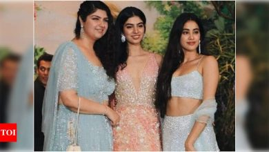 Exclusive! Anshula Kapoor joins sisters Janhvi and Khushi in New York - Times of India