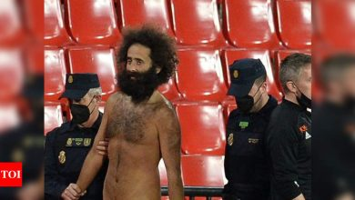 Granada streaker hid for 14 hours before Manchester United appearance | Football News - Times of India