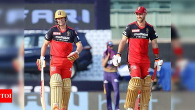 IPL 2021: De Villiers, Maxwell power RCB to 204/4 against KKR | Cricket News - Times of India