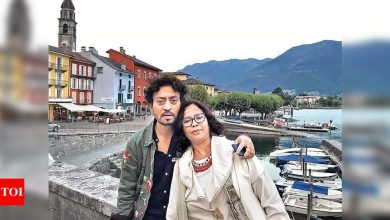 Irrfan Khan's wife Sutapa pens a heart-wrenching note remembering the late actor: The clock had stopped at 11.11 on 29th April for me - Times of India