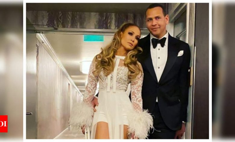"Jennifer Lopez and Alex Rodriguez end engagement, say ""we are better as friends"" - Times of India"