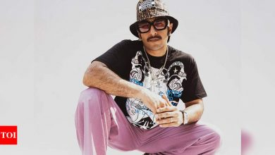 King of quirks Ranveer Singh gives a glimpse of his funky OOTD - Times of India