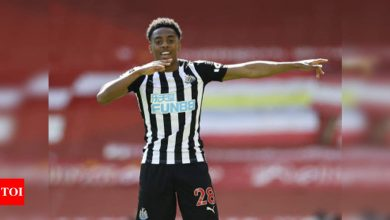 Late Willock strike earns Newcastle 1-1 draw at misfiring Liverpool | Football News - Times of India