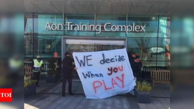 Manchester United fans breach training ground security to protest against Glazers | Football News - Times of India