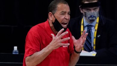 NCAA Tournament coverage ignores Kelvin Sampson's ugly past
