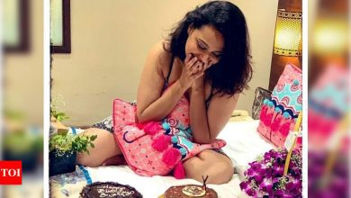 Photos: Swara Bhasker thanks her fans for the lovely wishes after a 3-day long birthday - Times of India