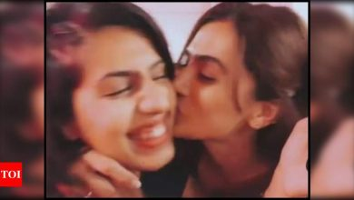 Taapsee Pannu pens a sweet birthday note for her 'constant' Shagun; shares an adorable boomerang video - Times of India