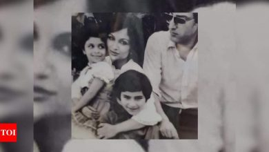 This RARE picture of Saif Ali Khan, sister Saba, mom Sharmila and late dad Mansoor Ali Khan Pataudi is unmissable! - Times of India