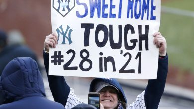 Yankees glad to have 'buzz' of fans back at Stadium