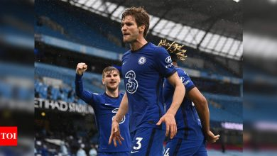 Chelsea beat Man City to delay Premier League title party | Football News - Times of India