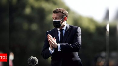 Emmanuel Macron tacks right in bid for 2022 triumph - Times of India