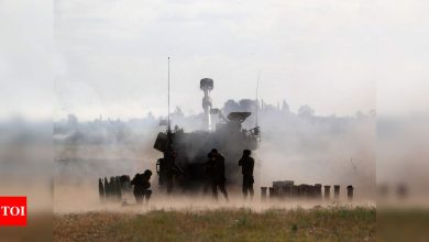 Israeli strikes hit Gaza tunnels as diplomats work for truce - Times of India