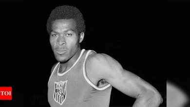 US 400m great and rights activist Lee Evans dies at 74   More sports News - Times of India