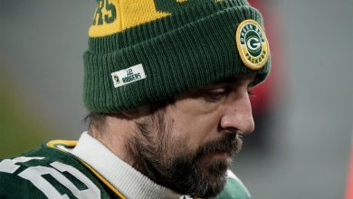 Aaron Rodgers is behaving like a ridiculous diva