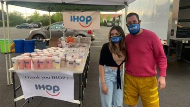 Adam Sandler returns to IHOP to surprise hostess who turned him away