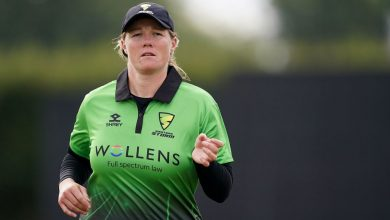 Anya Shrubsole steals Thunder's thunder in stunning one-wicket win