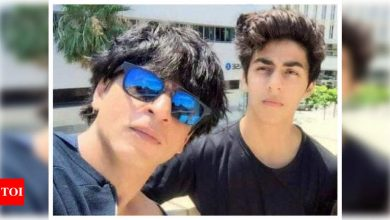 Did you know Shah Rukh Khan does not allow son Aryan Khan to be shirtless at home? - Times of India