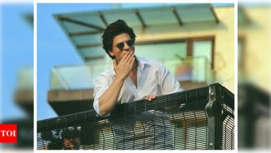 Did you know Shah Rukh Khan's nickname in school was 'Mail gaadi' for THIS reason? - Times of India