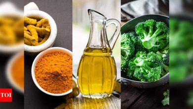 Expert-recommended foods to eat before and after getting the COVID-19 vaccine - Times of India