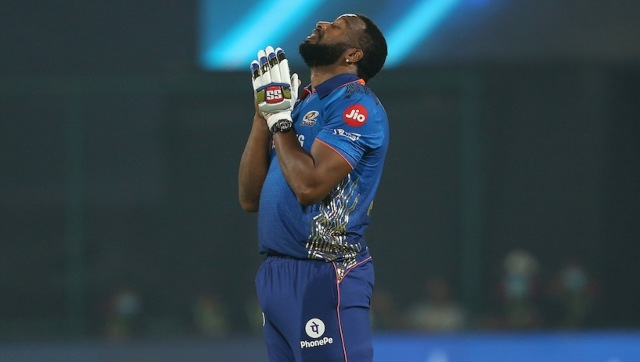 Kieron Pollard (87 not out off 34 balls) celebrates after guiding Mumbai Indians to a last-ball victory over arch-rivals Chennai Super Kings. Sportzpics