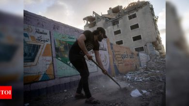 Israel and Hamas truce holds on Day 1 - Times of India