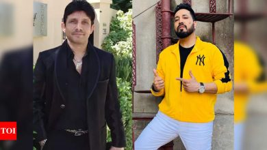 Mika Singh slams KRK on Twitter: I am not Karan Johar but your daddy - Times of India