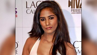Poonam Pandey Calls First Carrier Of COVID