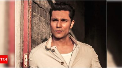 Randeep Hooda: There are bigger problems at hand, so one doesn't feel much about a film being delayed - Times of India