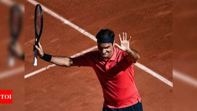 Roger Federer eases into second round on French Open return | Tennis News - Times of India