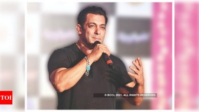 Salman Khan helps 18-years old students from Karnataka with ration and educational equipment after his father succumbs to COVID-19 - Times of India