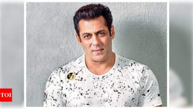 Salman Khan says he cannot act like Chulbul Pandey at home and the reason is sure to leave you in splits! - Times of India