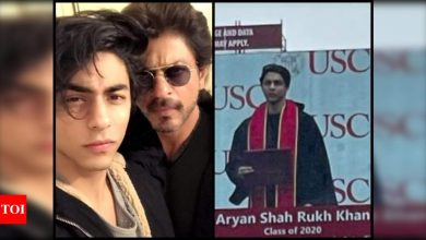 Shah Rukh Khan's son Aryan Khan's picture from his graduation ceremony goes viral on the internet; fans just can't stop gushing over him - Times of India