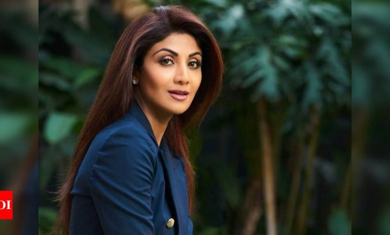 Shilpa Shetty Kundra urges everyone to not panic amid the pandemic: Together we will overcome this - Times of India