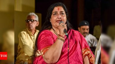 Singer Anuradha Paudwal donates oxygen concentrators to hospitals: It is our moral duty to help if you have the means to do it - Times of India