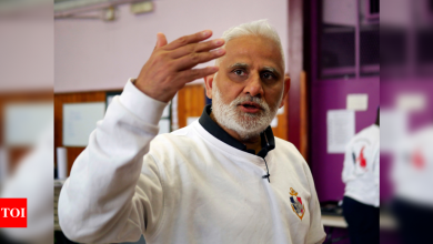 'The Captain' challenges impoverished youth to love France - Times of India