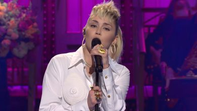 Watch Miley Cyrus cover Dolly Parton in 'SNL' performance