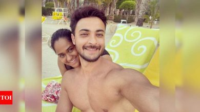 """Arpita Khan Sharma posts a photo with Aayush Sharma; captions, """"A great marriage is when an imperfect couple learns to enjoy their differences"""" - Times of India"""