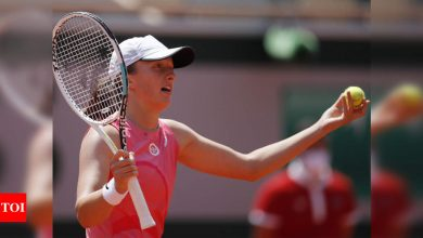 Defending champion Swiatek crashes out of French Open in quarter-finals   Tennis News - Times of India