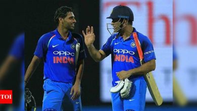 Dhoni always gives guidance to youngsters: Bhuvneshwar Kumar   Cricket News - Times of India