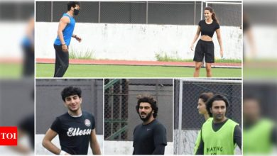 Disha Patani and Tiger Shroff spend their Sunday evening playing football together; Arjun Kapoor, Ibrahim Ali Khan and Aadar Jain also join - Times of India