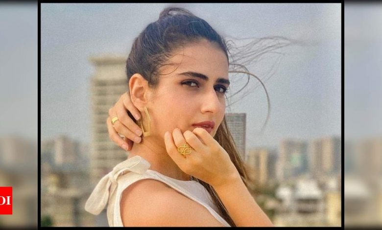 Exclusive! Fatima Sana Shaikh shares a glimpse of her workout routine that includes skating and dancing - Times of India