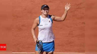 French Open: Top-ranked Barty fights through injury to avoid upset opening loss   Tennis News - Times of India