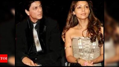 Gauri Khan remembers 'good times' with husband Shah Rukh Khan as she shares a throwback picture; Zoya Akhtar says 'How beautiful you both are' - Times of India
