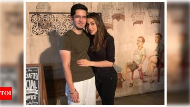 Is Sara Ali Khan dating her 'Kedarnath' AD Jehan Handa? Check out their recent photo and video here! - Times of India